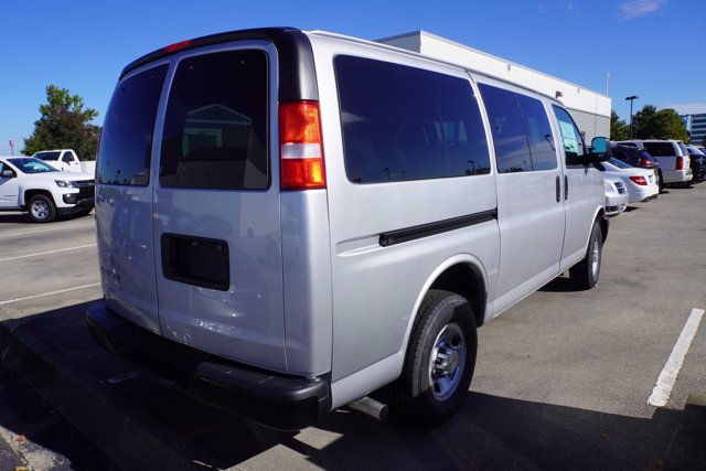 2020 Chevrolet Express 2500 4x2, Passenger Wagon #20-7988 - photo 7