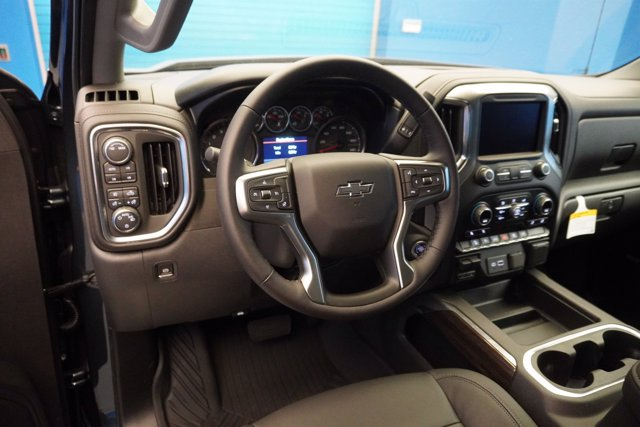 2020 Chevrolet Silverado 1500 Crew Cab 4x4, Pickup #20-8029 - photo 14