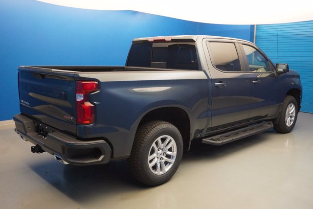 2020 Chevrolet Silverado 1500 Crew Cab 4x4, Pickup #20-8029 - photo 2