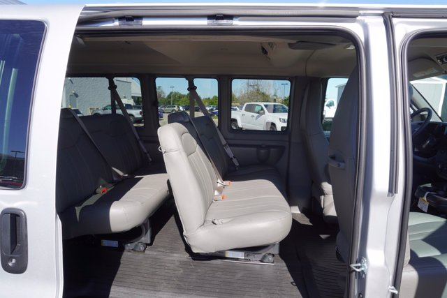 2020 Chevrolet Express 2500 4x2, Passenger Wagon #20-8067 - photo 22