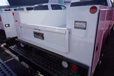 2020 Chevrolet Silverado 2500 Crew Cab 4x4, Monroe MSS II Service Body #20-8092 - photo 3