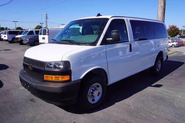 2020 Chevrolet Express 2500 4x2, Passenger Wagon #20-8119 - photo 4