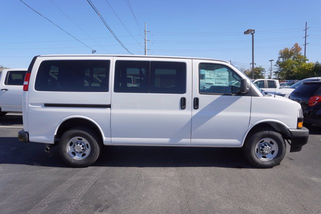 2020 Chevrolet Express 2500 4x2, Passenger Wagon #20-8119 - photo 7