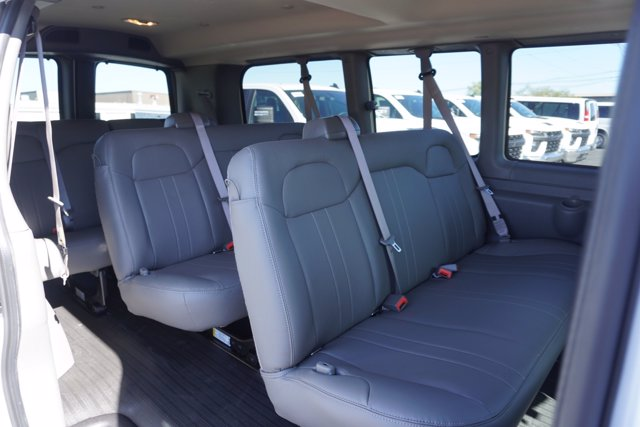 2020 Chevrolet Express 2500 4x2, Passenger Wagon #20-8124 - photo 25