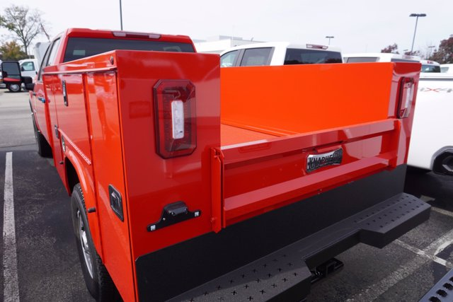 2020 Chevrolet Silverado 3500 Crew Cab 4x4, Knapheide Steel Service Body #20-8147 - photo 6