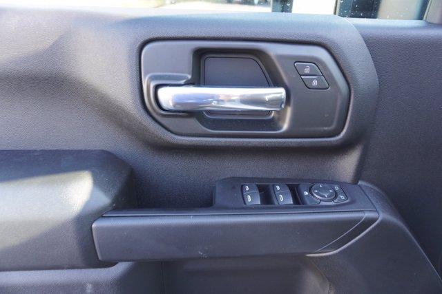 2020 Chevrolet Silverado 3500 Crew Cab DRW 4x4, Knapheide Contractor Body #20-8286 - photo 11