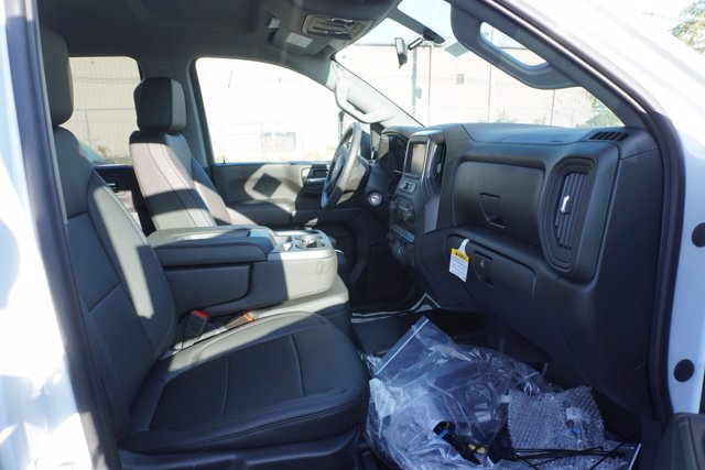 2020 Chevrolet Silverado 3500 Crew Cab DRW 4x4, Knapheide Contractor Body #20-8286 - photo 20