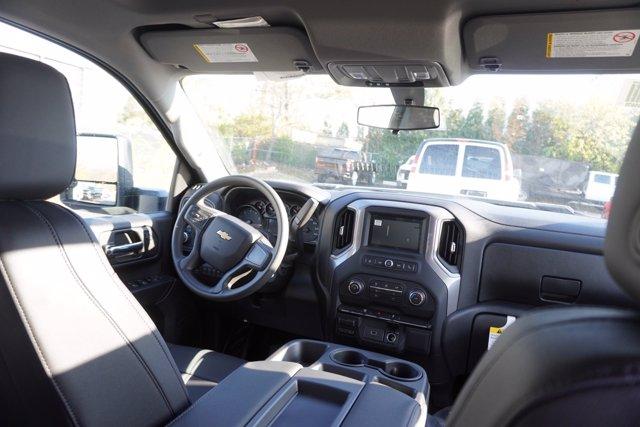 2020 Chevrolet Silverado 3500 Crew Cab DRW 4x4, Knapheide Contractor Body #20-8286 - photo 21