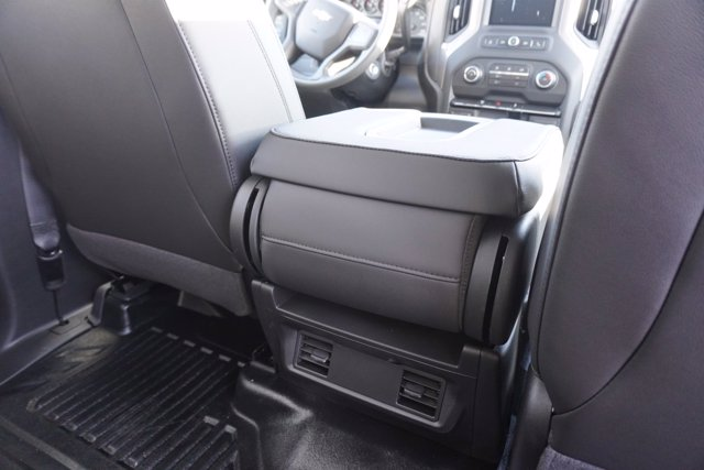 2020 Chevrolet Silverado 3500 Crew Cab DRW 4x4, Knapheide Contractor Body #20-8286 - photo 22