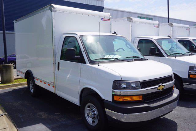 2021 Express 3500 4x2,  Morgan Truck Body Cutaway Van #21-0007 - photo 3