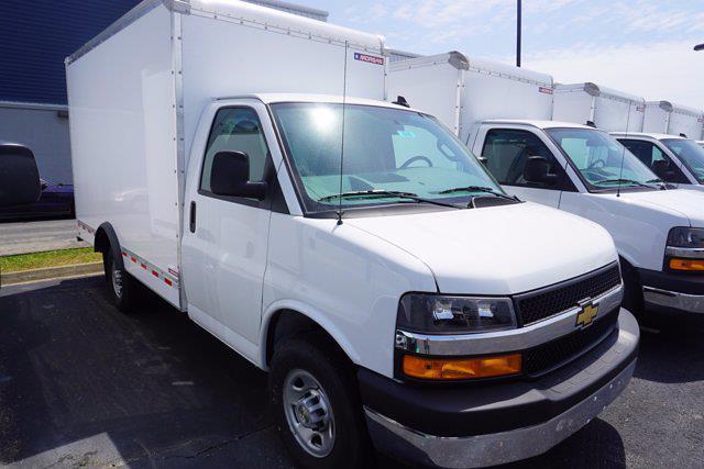 2021 Express 3500 4x2,  Morgan Truck Body Cutaway Van #21-0255 - photo 3