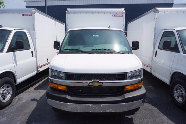 2021 Express 3500 4x2,  Morgan Truck Body Cutaway Van #21-0255 - photo 4