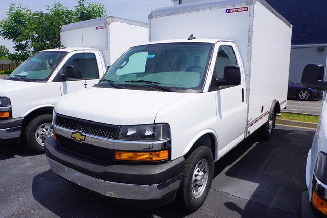 2021 Express 3500 4x2,  Morgan Truck Body Cutaway Van #21-0255 - photo 5