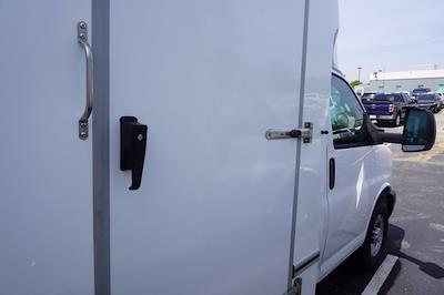 2021 Chevrolet Express 3500 4x2, Unicell Aerocell CW Cutaway Van #21-9433 - photo 23
