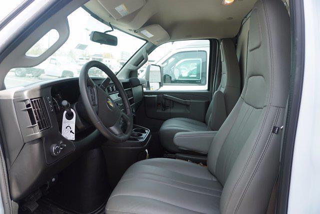 2021 Chevrolet Express 3500 4x2, Unicell Aerocell CW Cutaway Van #21-9486 - photo 13
