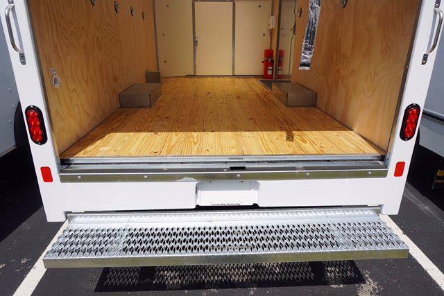 2021 Chevrolet Express 3500 4x2, Unicell Aerocell CW Cutaway Van #21-9486 - photo 24