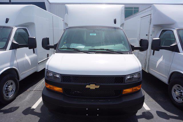 2021 Chevrolet Express 3500 4x2, Unicell Aerocell CW Cutaway Van #21-9486 - photo 4