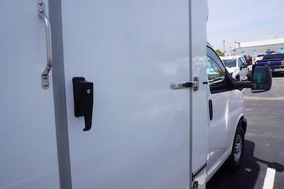 2021 Chevrolet Express 3500 4x2, Unicell Aerocell CW Cutaway Van #21-9486 - photo 23