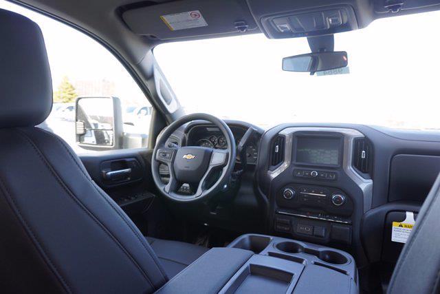 2021 Silverado 3500 Crew Cab 4x2,  Knapheide Aluminum PGNB Gooseneck Platform Body #21-9864 - photo 20