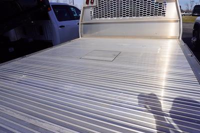 2021 Silverado 3500 Crew Cab 4x2,  Knapheide Aluminum PGNB Gooseneck Platform Body #21-9864 - photo 28