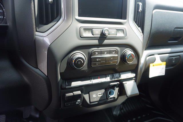 2021 Chevrolet Silverado 3500 Crew Cab 4x4, Monroe Tow 'N Haul Gooseneck Platform Body #21-9874 - photo 17