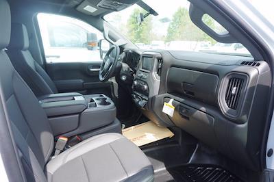 2021 Chevrolet Silverado 3500 Crew Cab 4x4, Monroe Tow 'N Haul Gooseneck Platform Body #21-9874 - photo 19