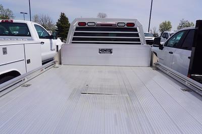 2021 Chevrolet Silverado 3500 Crew Cab 4x4, Monroe Tow 'N Haul Gooseneck Platform Body #21-9874 - photo 25