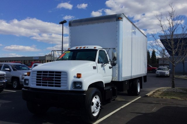 2002 C7500 Regular Cab, Dry Freight #P6205A - photo 6