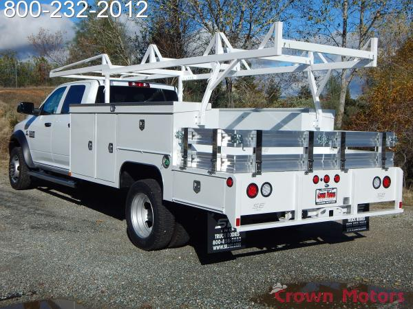 2017 Ram 5500 Crew Cab DRW 4x4, Scelzi Combo Bodies Combo Body #17D223 - photo 2