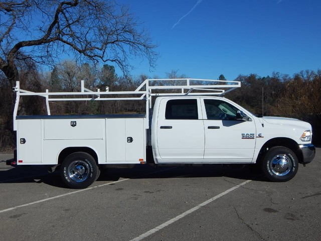 2018 Ram 3500 Crew Cab DRW 4x4,  Harbor TradeMaster Service Body #18D095 - photo 12