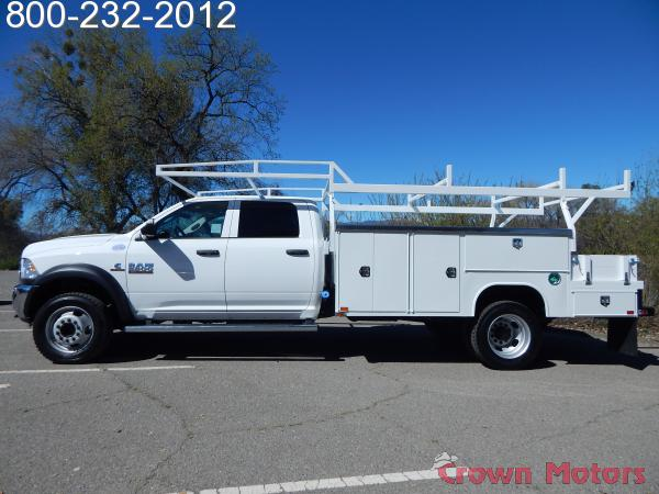 2018 Ram 5500 Crew Cab DRW 4x4, Harbor Combo Body #18D129 - photo 3