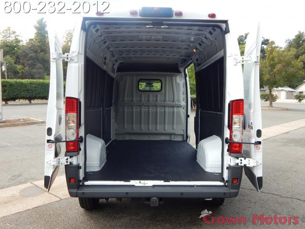 2018 ProMaster 2500 High Roof FWD,  Empty Cargo Van #18D268 - photo 16