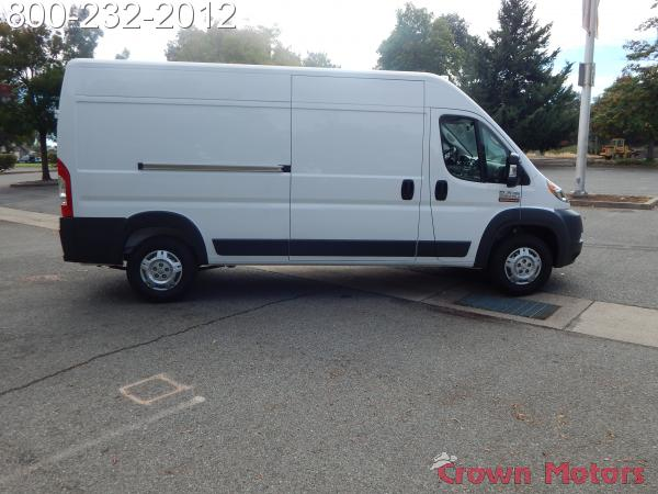 2018 ProMaster 2500 High Roof FWD,  Empty Cargo Van #18D268 - photo 10