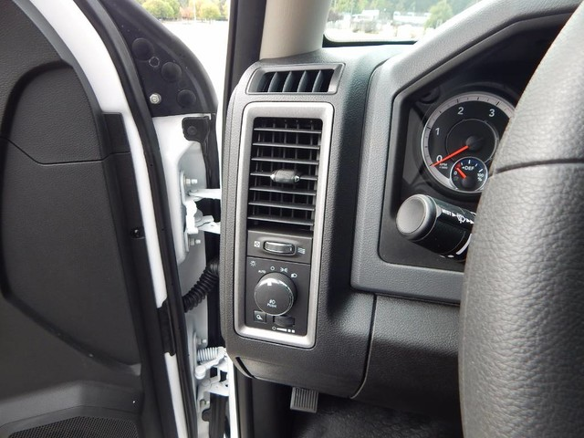 2018 Ram 3500 Crew Cab DRW 4x4,  Scelzi Service Body #18D310 - photo 37