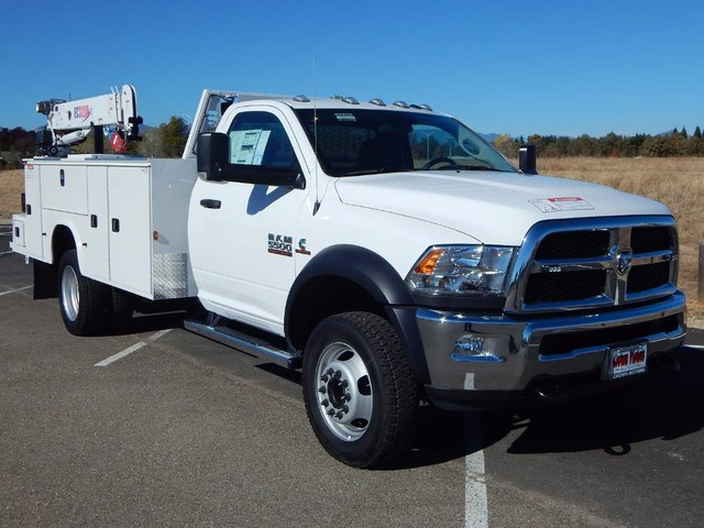 2018 Ram 5500 Regular Cab DRW 4x4,  Knapheide Mechanics Body #18D328 - photo 25