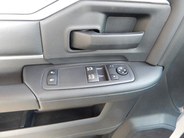 2021 Ram 5500 Regular Cab DRW 4x4, Scelzi 12ft Combo Body #21D059 - photo 22
