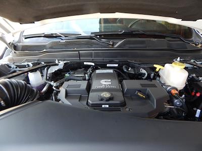 2021 Ram 5500 Regular Cab DRW 4x4, Scelzi 12ft Combo Body #21D059 - photo 18