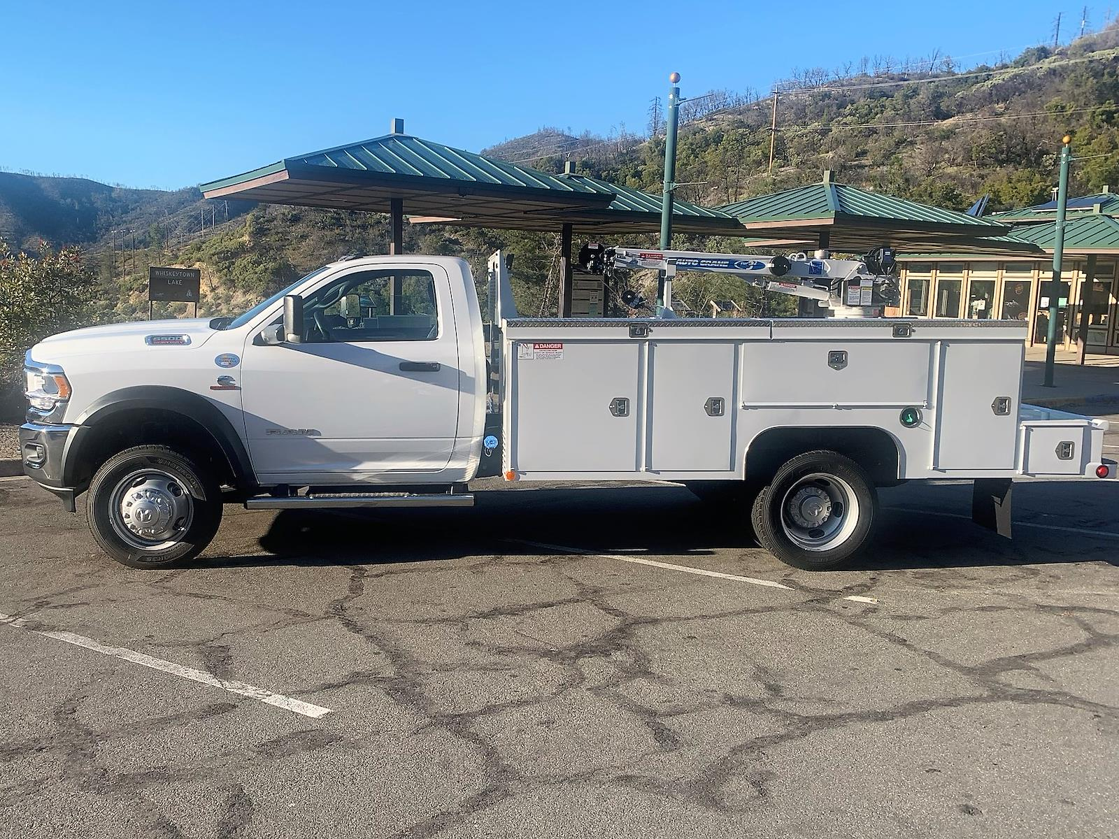 2021 Ram 5500 Regular Cab DRW 4x4, Scelzi 11ft Signature Service Body with 3200# AutoCrane #21D097 - photo 1