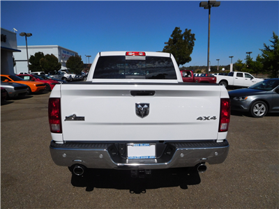 2017 Ram 1500 Crew Cab 4x4 Pickup #13942 - photo 8
