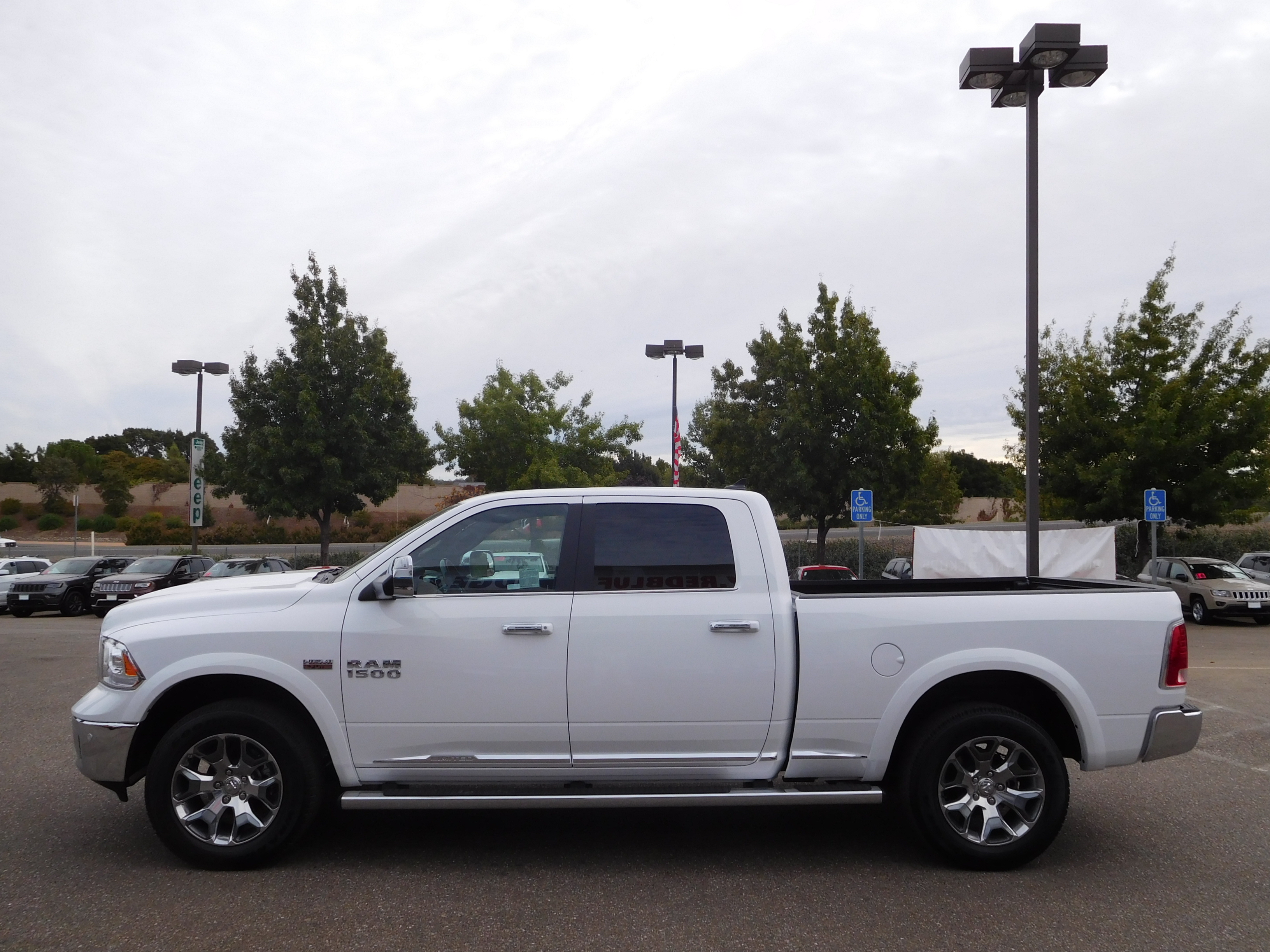 2017 Ram 1500 Crew Cab 4x4, Pickup #13945 - photo 6