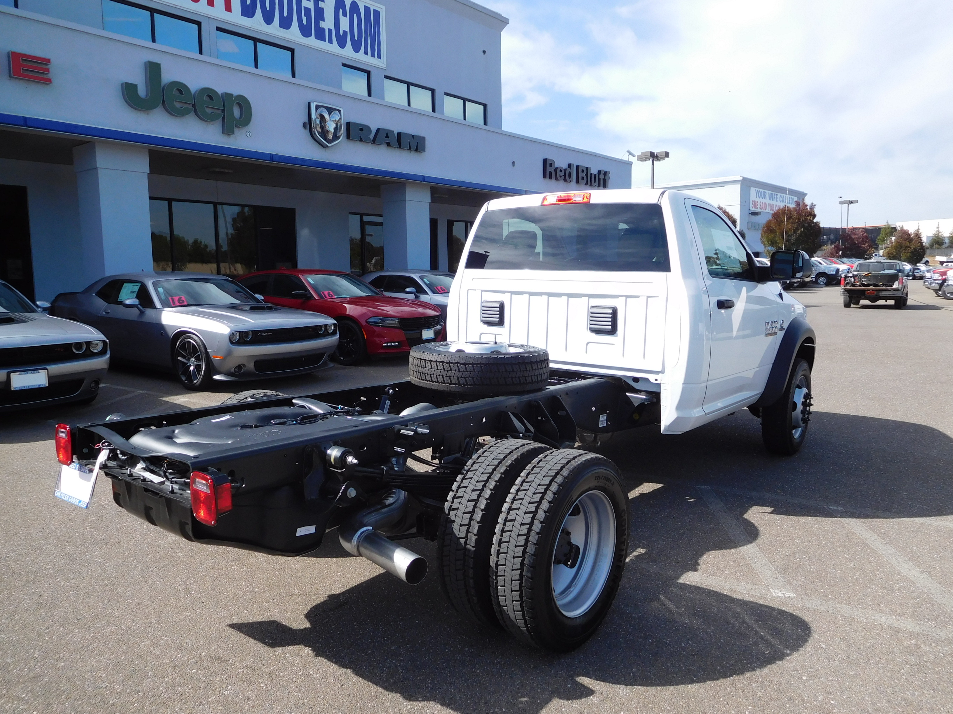 2017 Ram 5500 Regular Cab DRW 4x4, Cab Chassis #14070 - photo 8