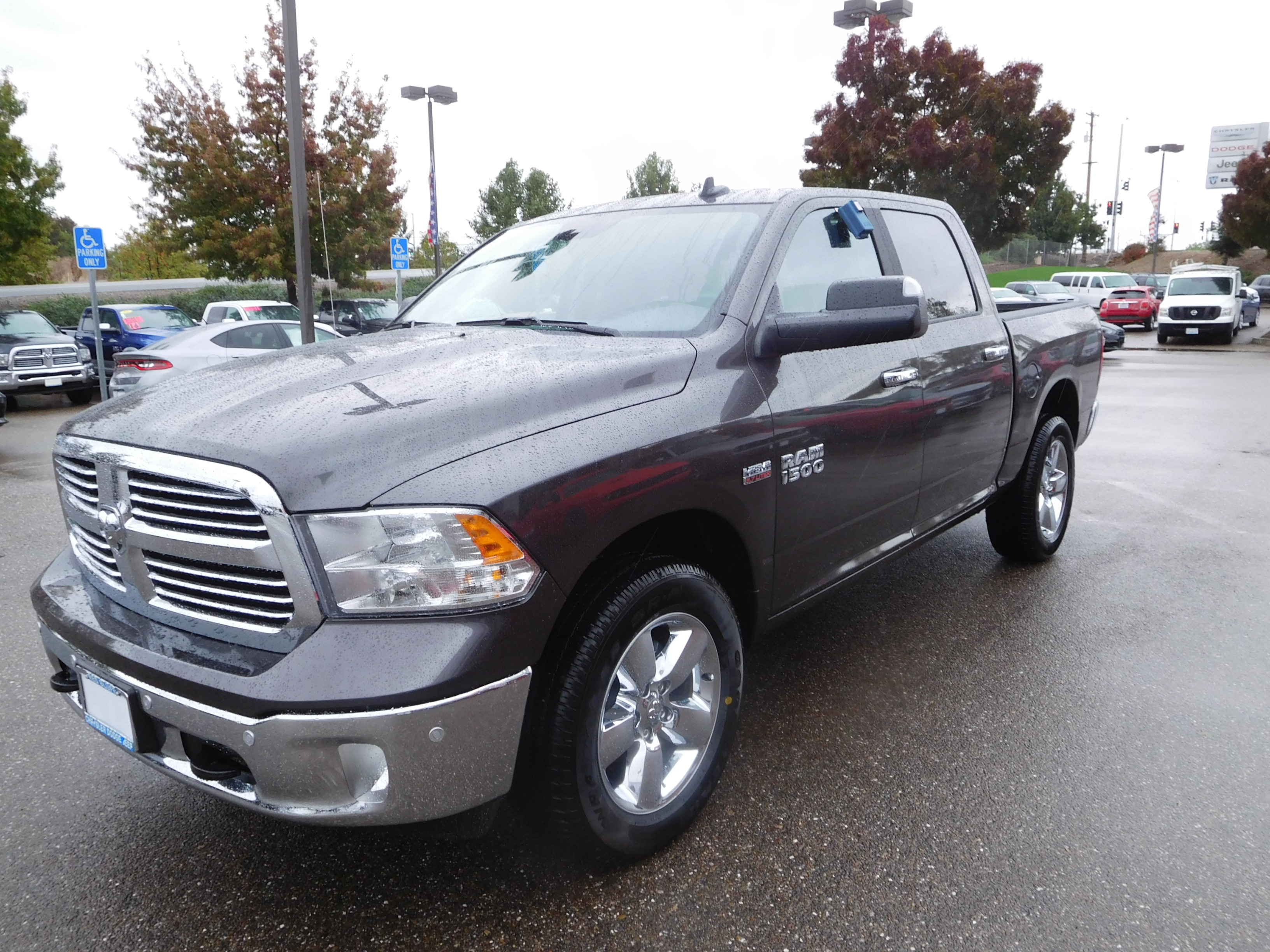 2017 Ram 1500 Crew Cab 4x4 Pickup #14112 - photo 5
