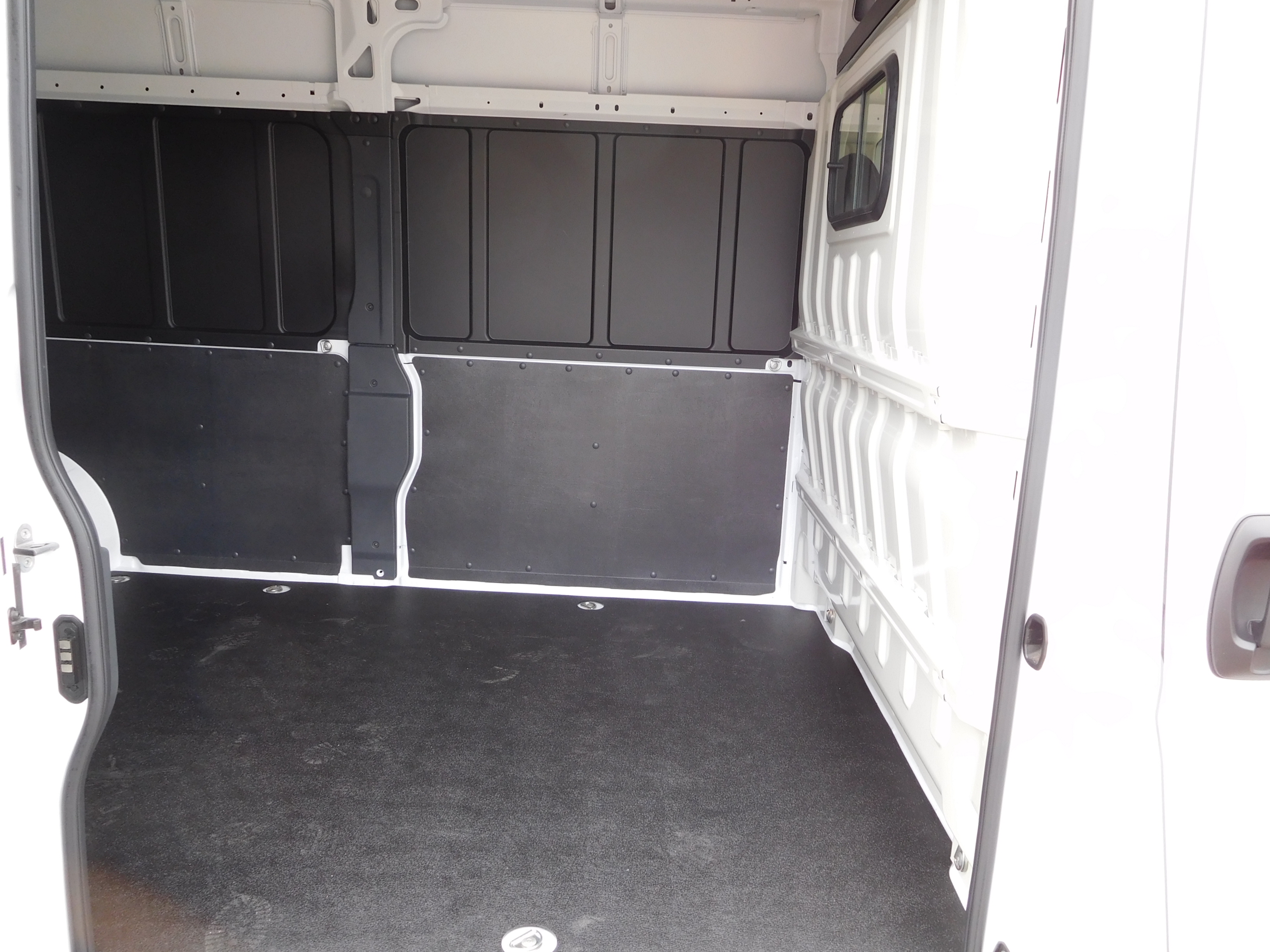 2017 ProMaster 2500 High Roof, Cargo Van #14405 - photo 12