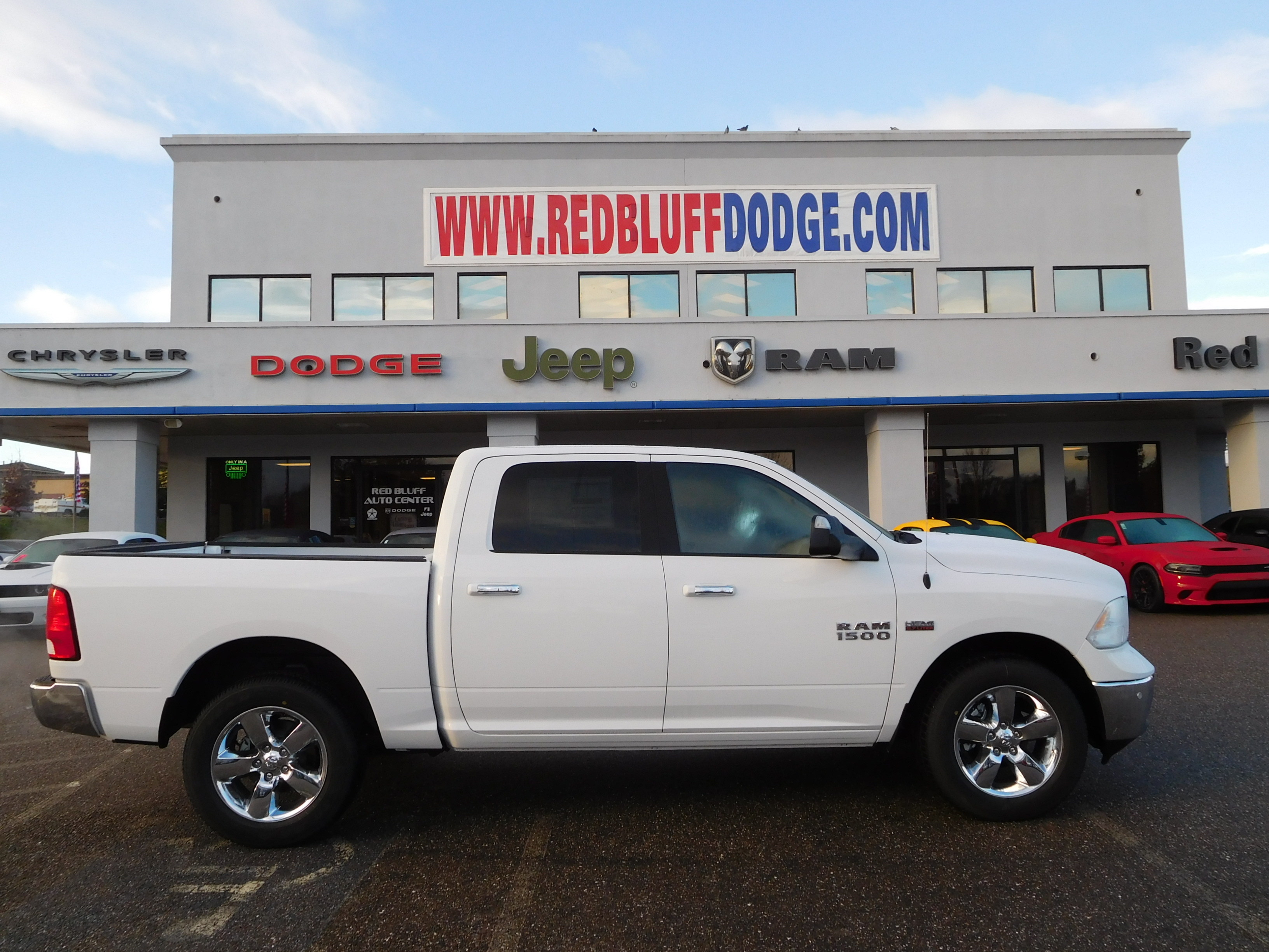 2017 Ram 1500 Crew Cab 4x4 Pickup #14427 - photo 3