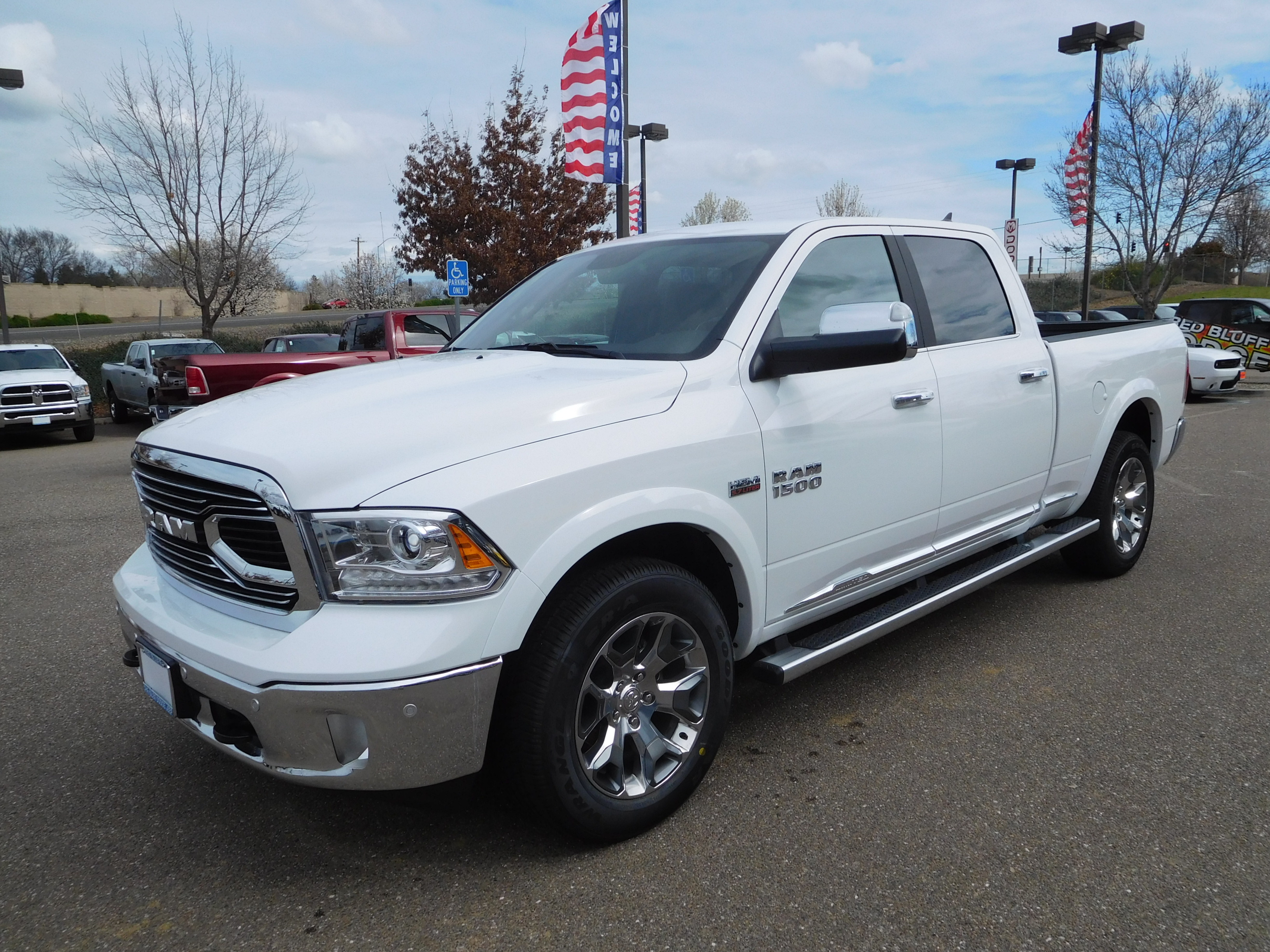 2017 Ram 1500 Crew Cab 4x4, Pickup #14592 - photo 5