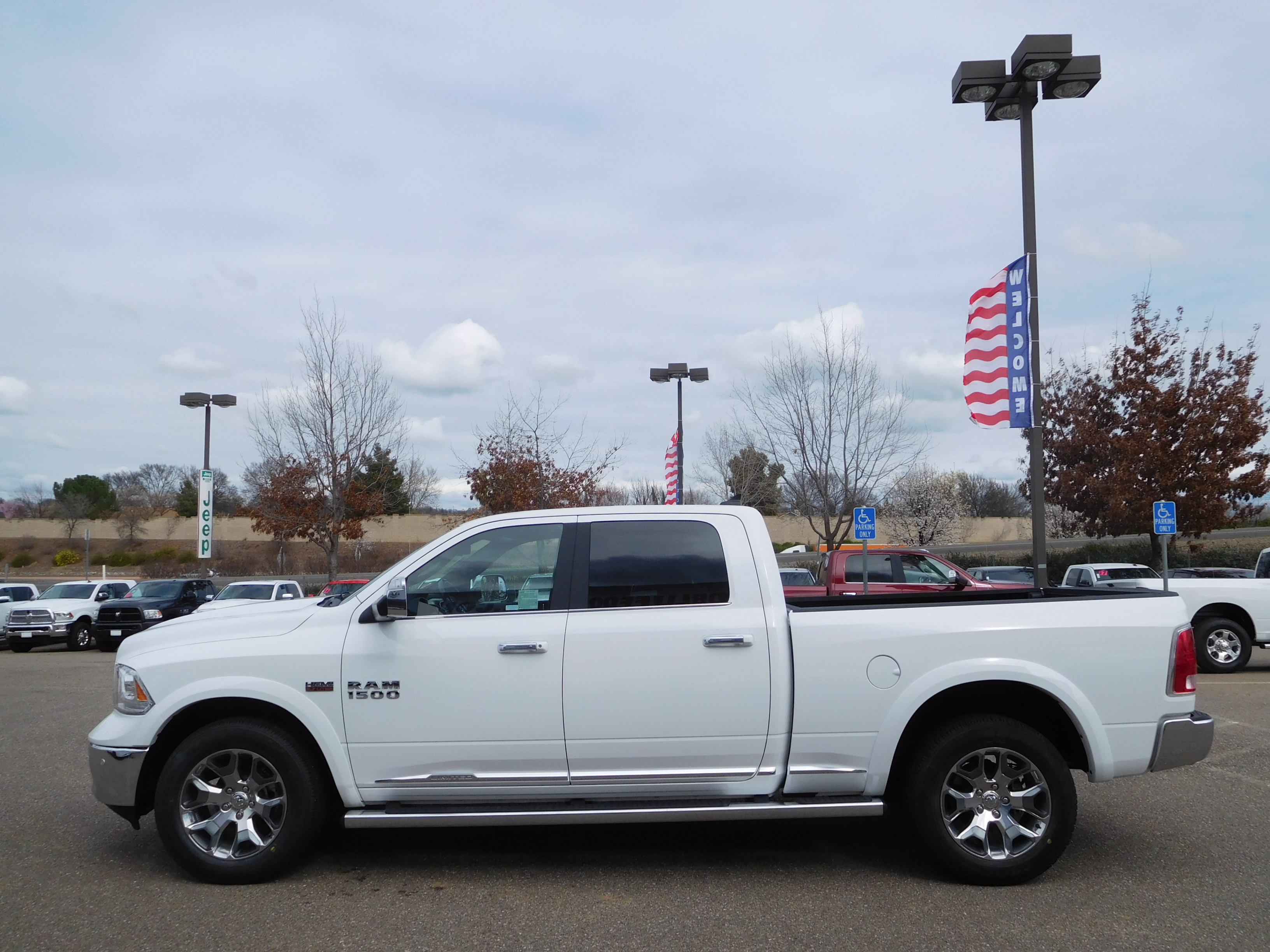 2017 Ram 1500 Crew Cab 4x4, Pickup #14592 - photo 6