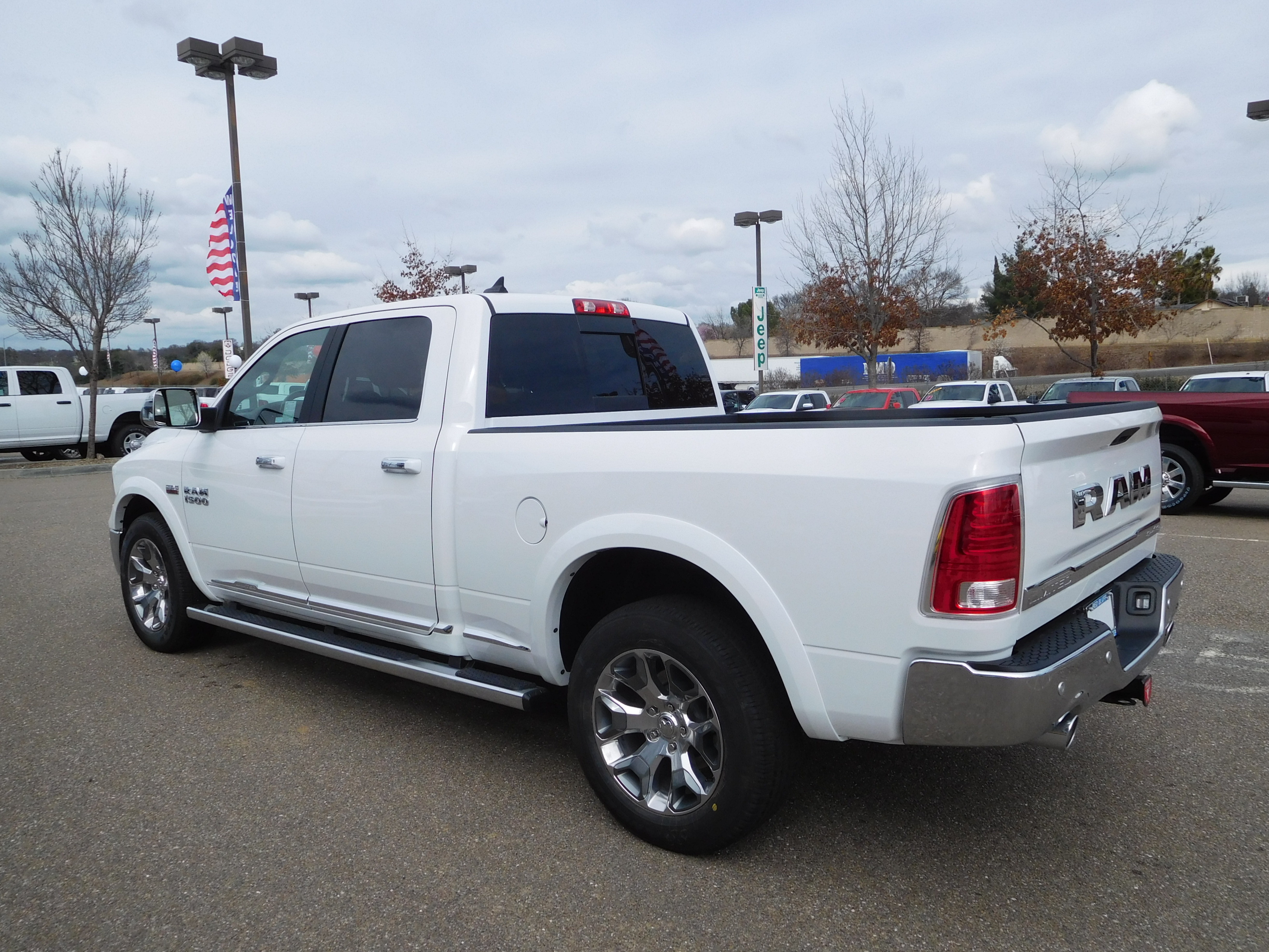 2017 Ram 1500 Crew Cab 4x4, Pickup #14592 - photo 7