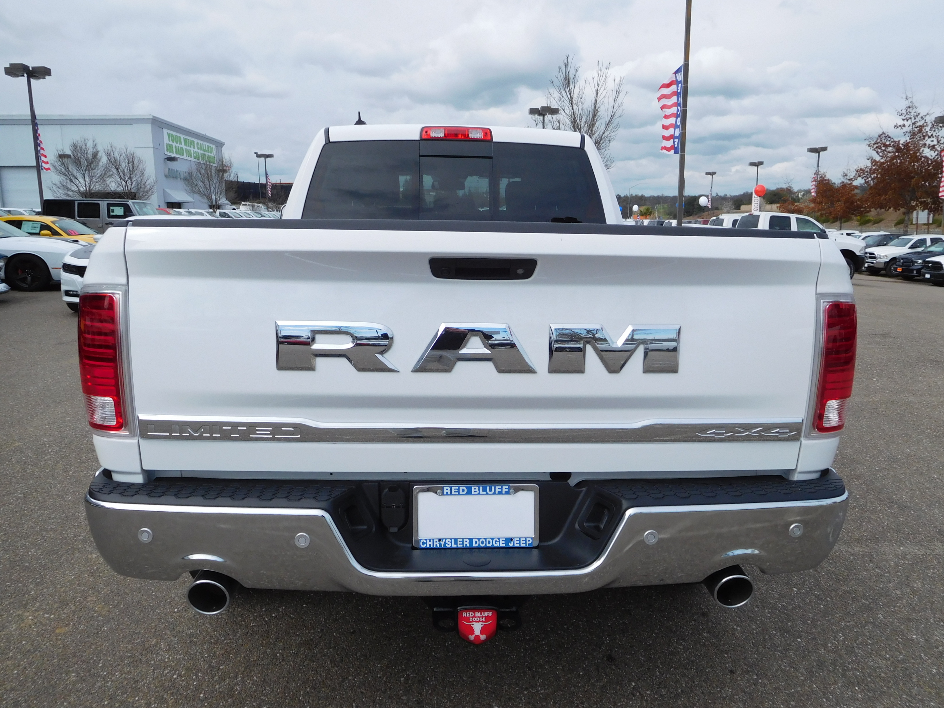 2017 Ram 1500 Crew Cab 4x4, Pickup #14592 - photo 8