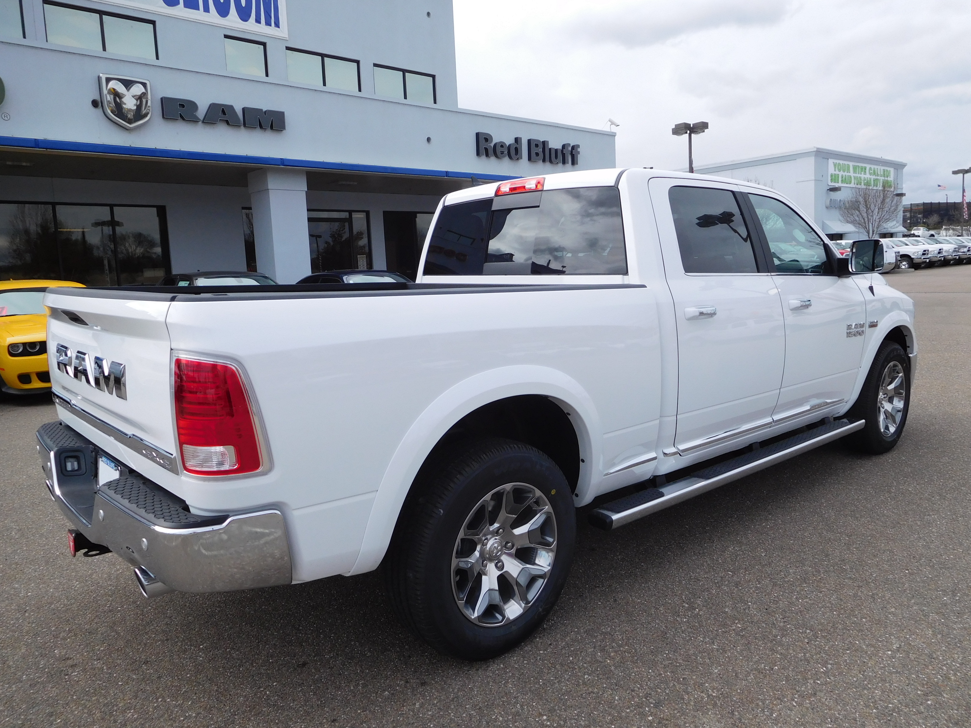 2017 Ram 1500 Crew Cab 4x4, Pickup #14592 - photo 2