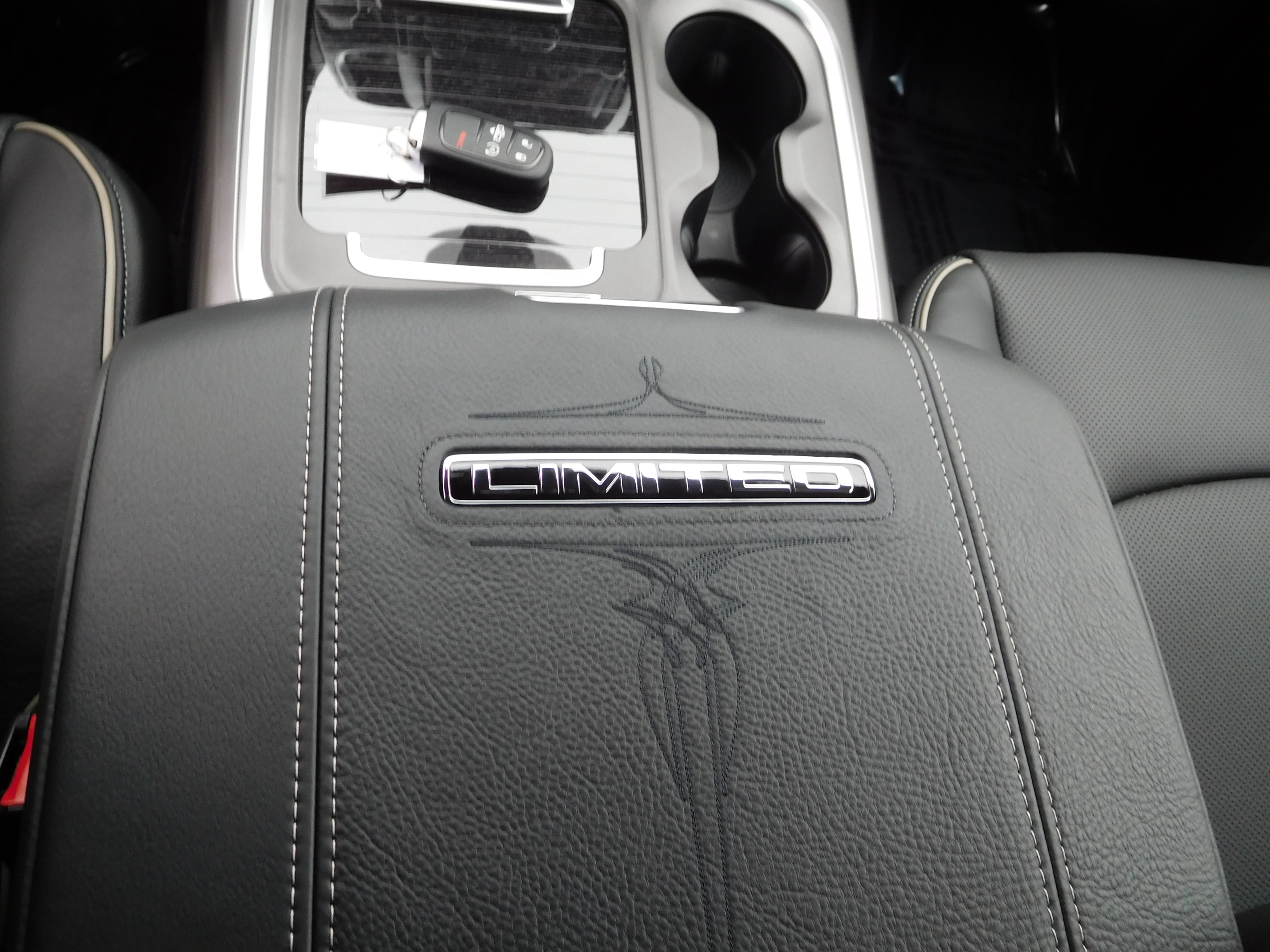 2017 Ram 1500 Crew Cab 4x4, Pickup #14614 - photo 16